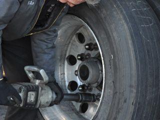 Nonstop teherautó mobil gumiszerviz